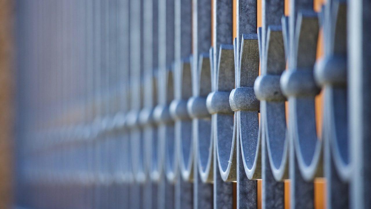 Terrasse Surélevée En Acier balustrade : quels sont les types de balustrades qui existent ?